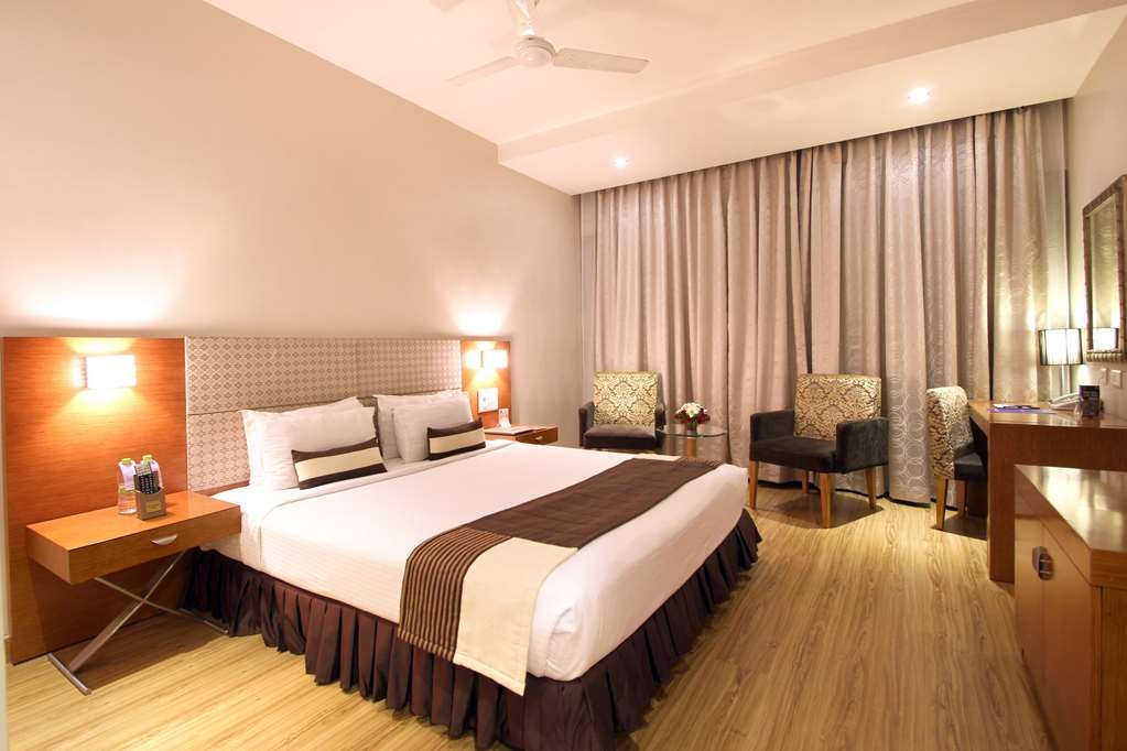 Best Western Ashoka - 1 King Bed