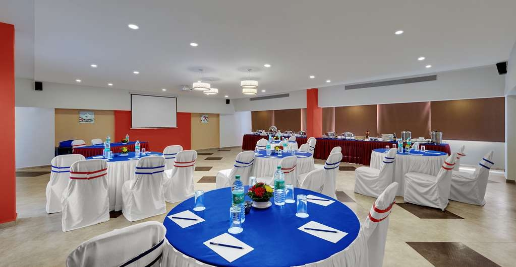 Best Western Alkapuri, Vadodara - Conference Room Cluster Seating