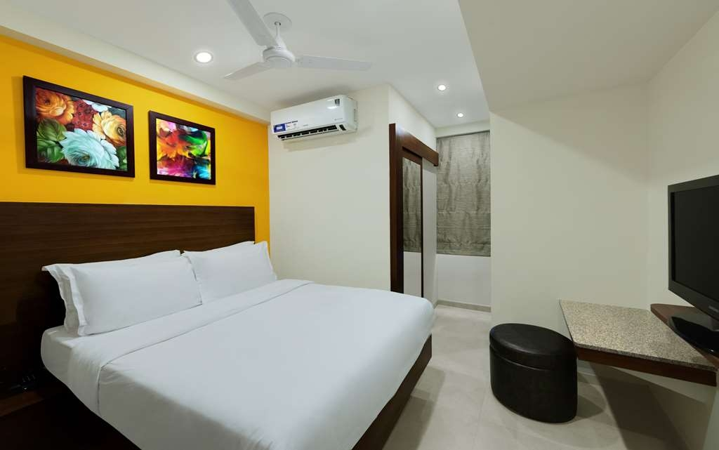 Best Western Alkapuri, Vadodara - Queen Bed Room