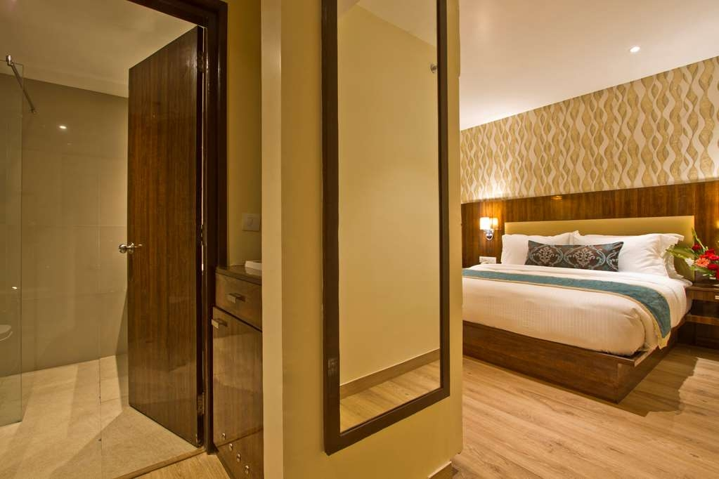 Best Western Himalyan Monal - Standard Room with One King Size Bed