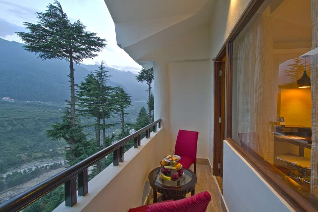 Best Western Himalyan Monal - Amenity in the Deluxe Room with One King Size Bed