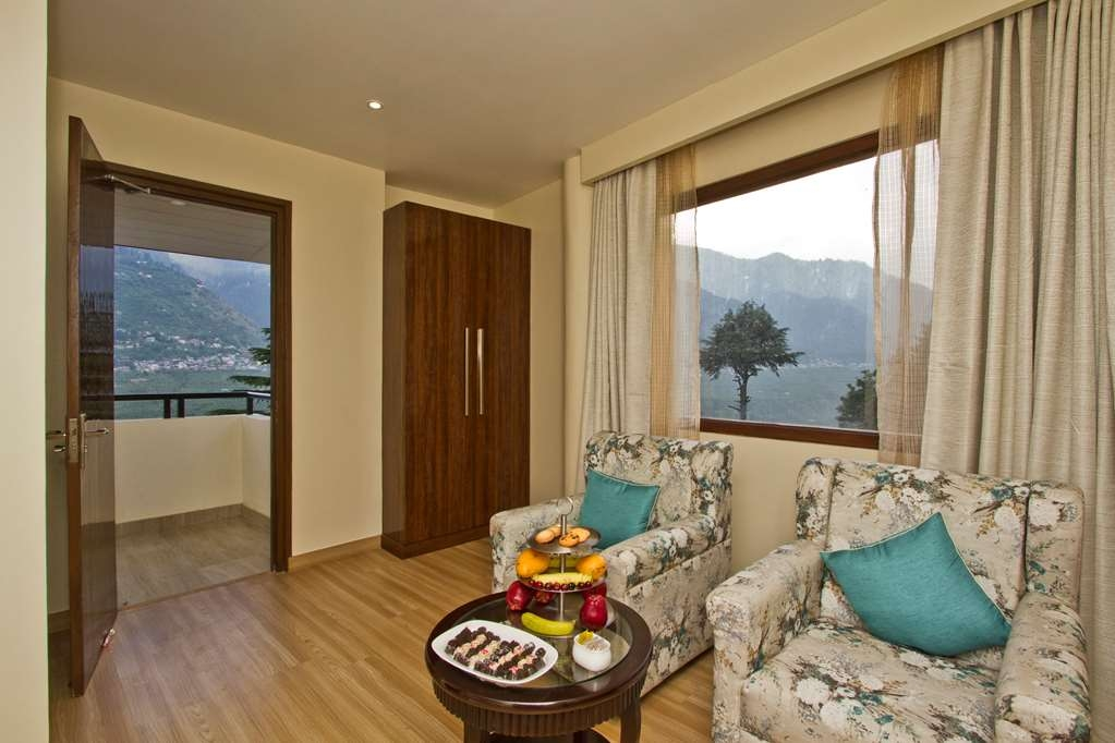 Best Western Himalyan Monal - Two Room Executive Suite with a King Size Bed and a Balcony