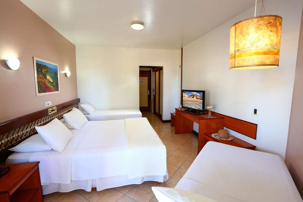 Best Western Shalimar Praia Hotel - Deluxe Room with 1 DBL and 2 SGL Beds