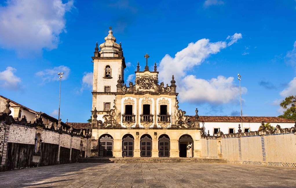 Best Western Hotel Caicara - Sao Francisco Church is located down in the cultural center of the city.