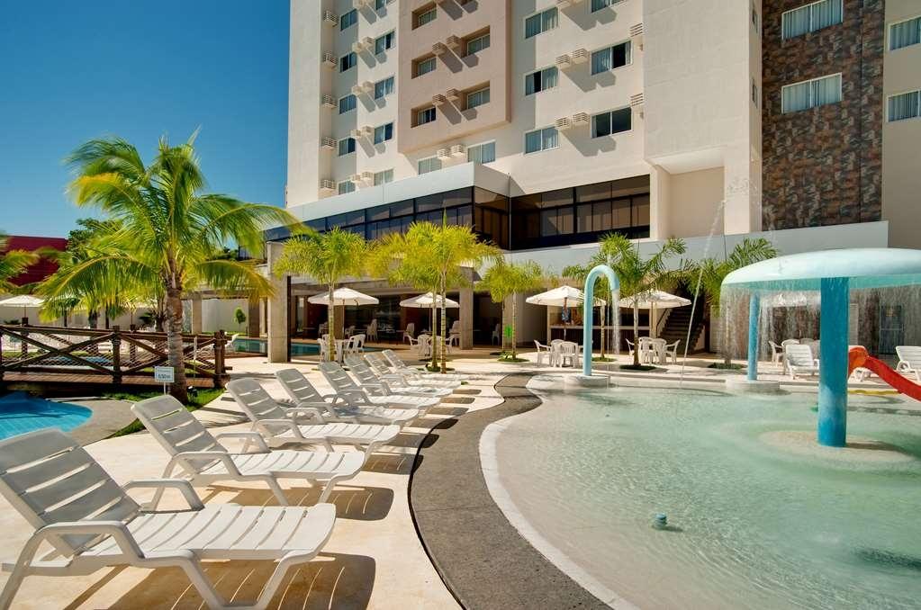 Best Western Suites Le Jardin Caldas Novas - Outdoor Swimming Pool Area