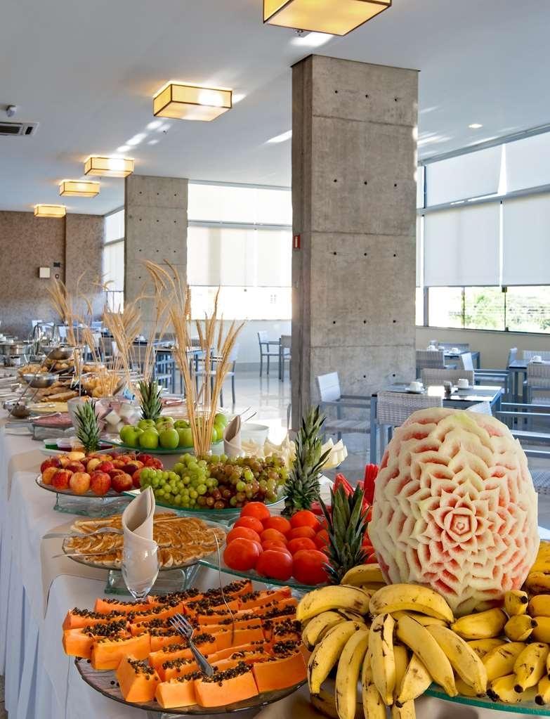 Best Western Suites Le Jardin Caldas Novas - Fruits are included in the breakfast.