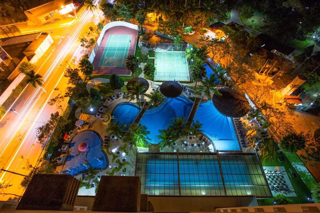Best Western Suites Le Jardin Caldas Novas - Aerial View at night