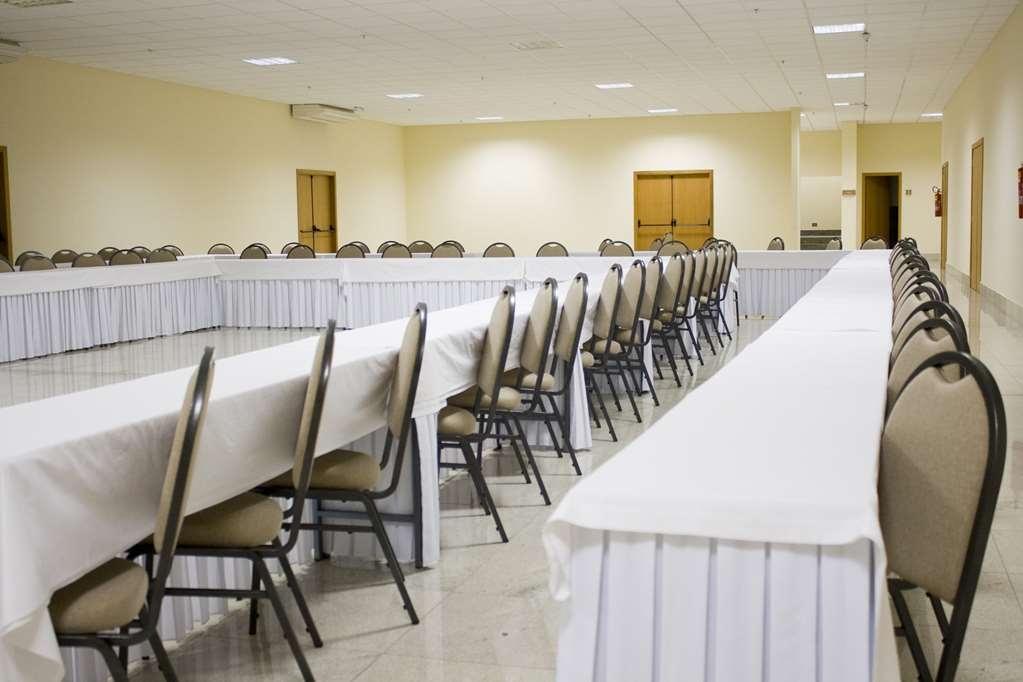 Best Western Suites Le Jardin Caldas Novas - Meeting Room