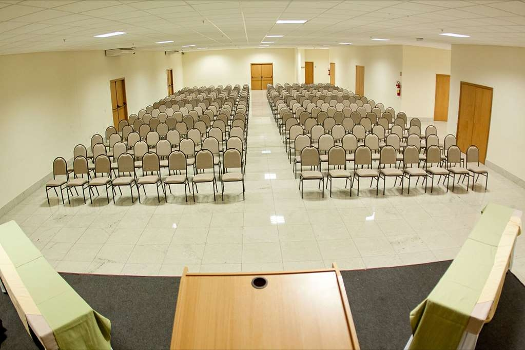 Best Western Suites Le Jardin Caldas Novas - Our meeting room can accommodate up to 440 people.