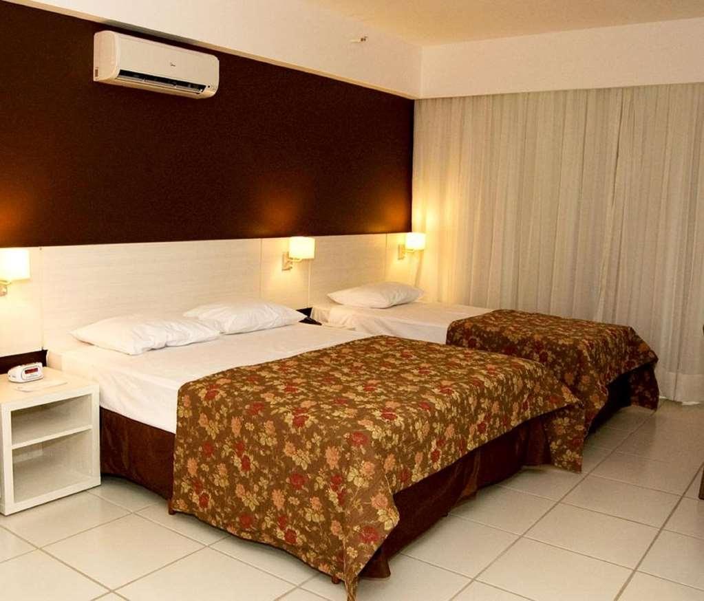 Best Western Suites Le Jardin Caldas Novas - 1 Queen Bed and 1 Single Bed Guest Room