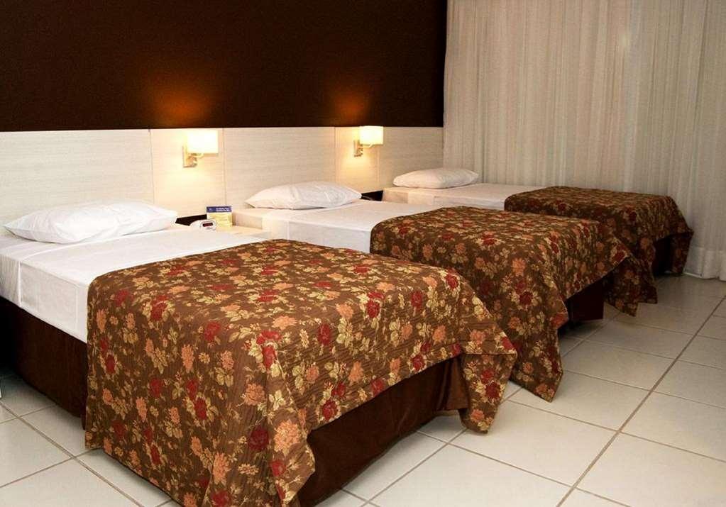 Best Western Suites Le Jardin Caldas Novas - 3 Single Beds Guest Room