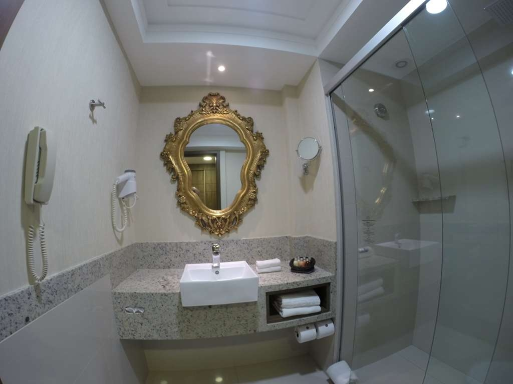 Best Western Premier Majestic Ponta Negra Beach - Toilet on Super Deluxe Room