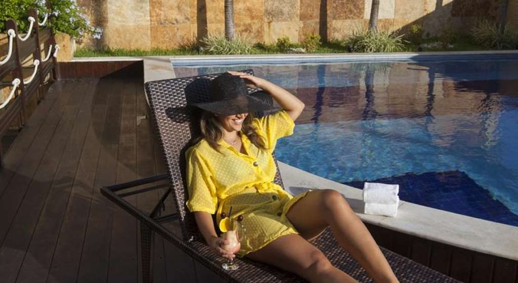Best Western Premier Majestic Ponta Negra Beach - Relaxing Pool