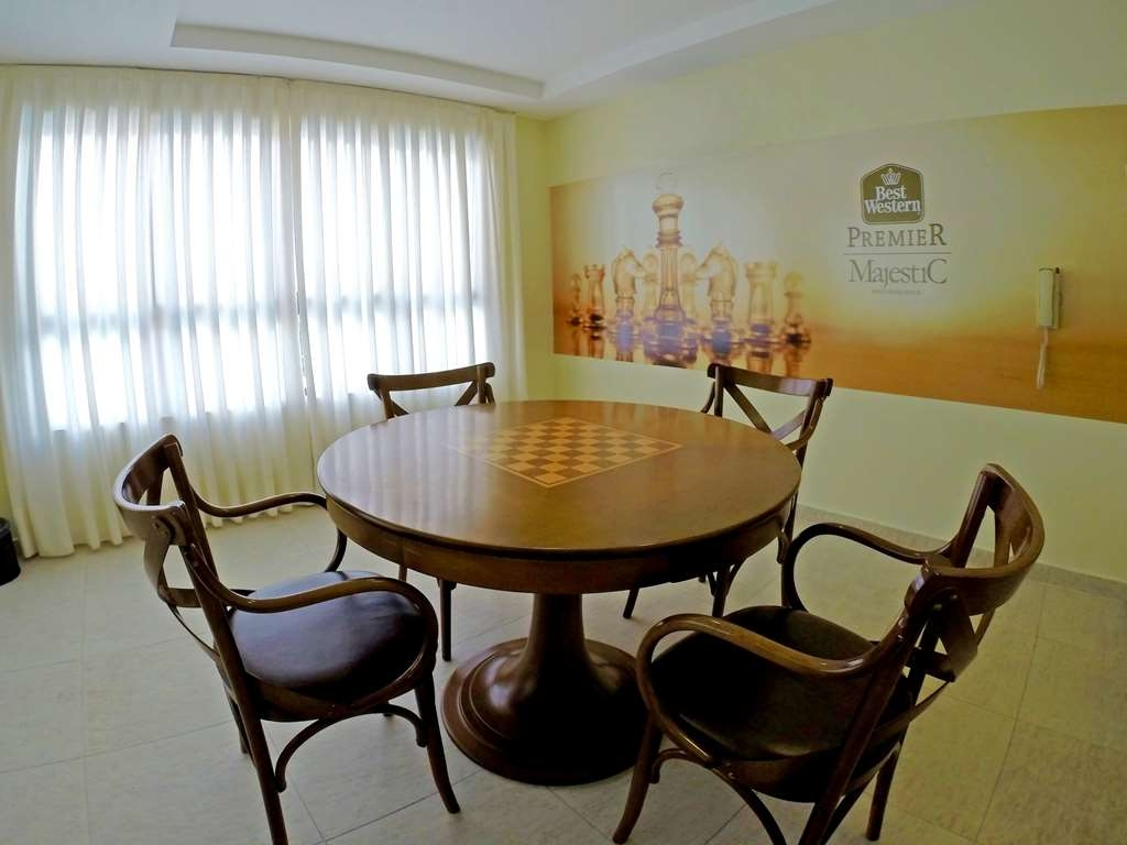 Best Western Premier Majestic Ponta Negra Beach - Game Room