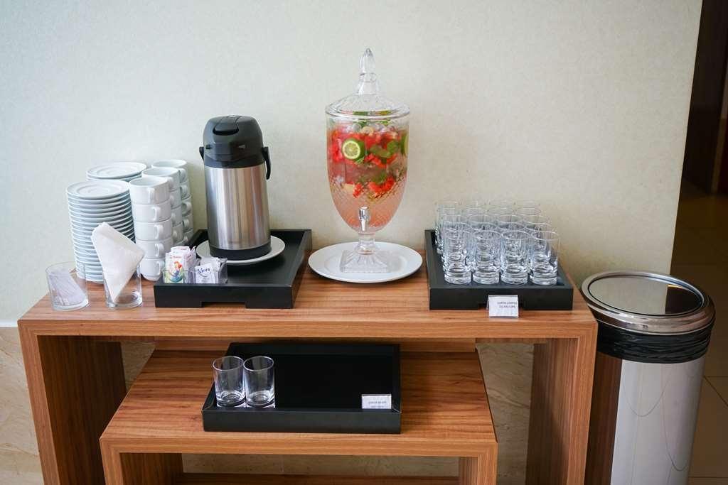 Best Western Linhares Design Hotel - Vue du lobby