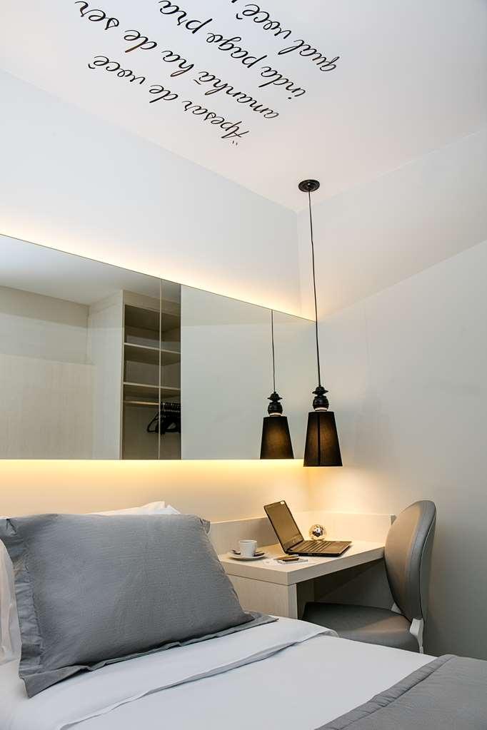 Best Western Plus Copacabana Design Hotel - Deluxe Guest Room