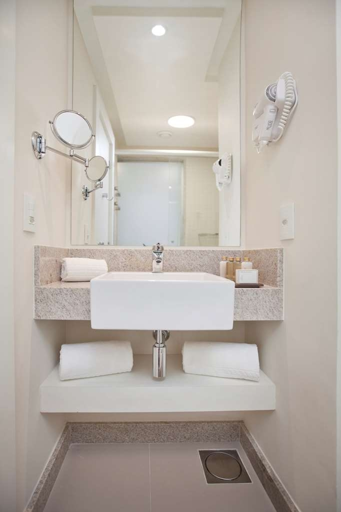Best Western Plus Icarai Design Hotel - Guest Bathroom