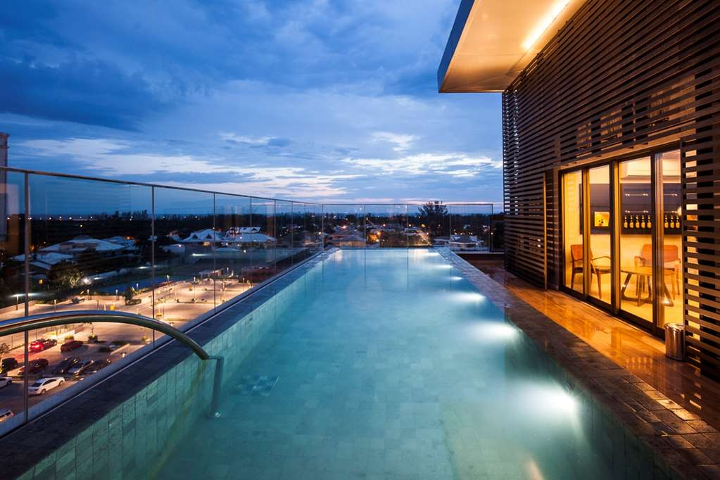 Vogue Square Hotel, BW Premier Collection - Outdoor Pool Night View