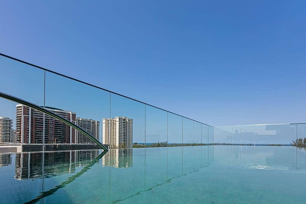 Best Western Premier Americas Fashion Hotel - Vista de la piscina