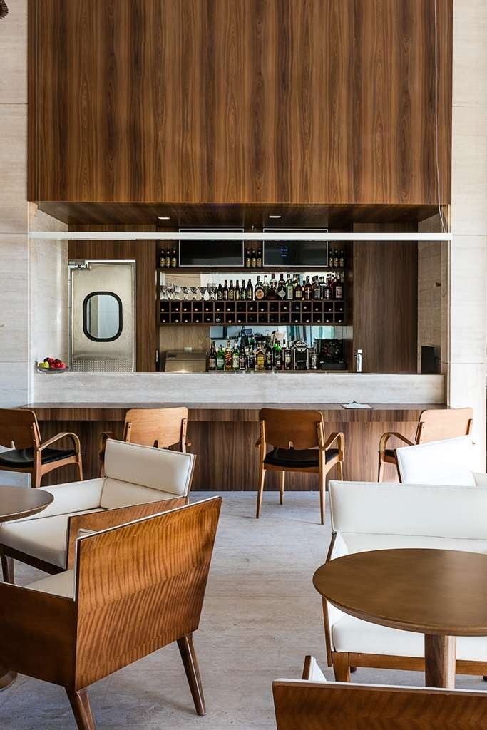 Vogue Square Hotel, BW Premier Collection - Lobby Bar