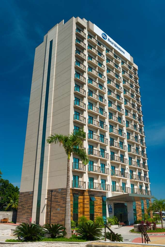 Best Western Multi Suites - Façade