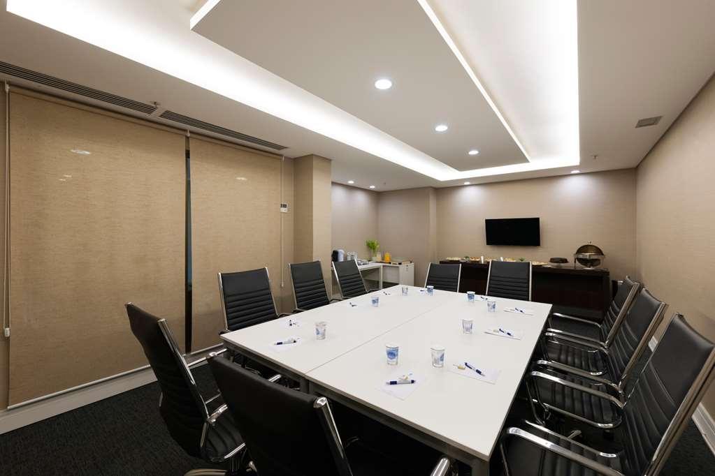 Best Western Multi Suites - Meeting Room