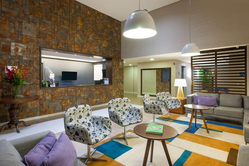 Best Western Multi Suites - Vue du lobby