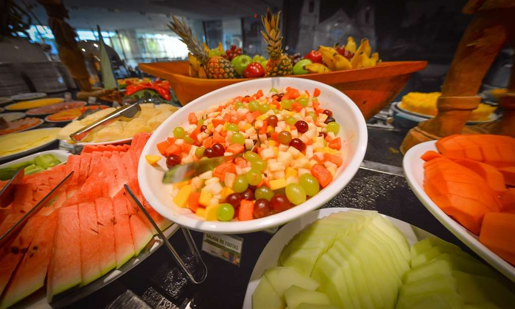 Best Western Premier Maceio - Breakfast, with varied fruits, is served at Le Premier Restaurant.