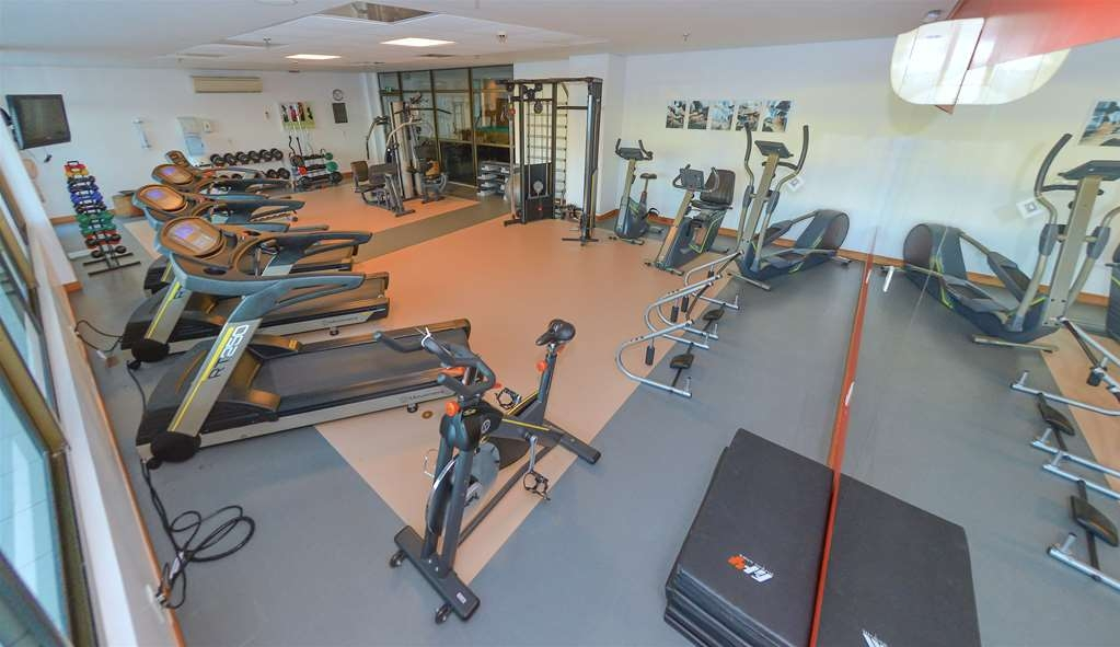 Best Western Premier Maceio - Well Equipped Fitness Room