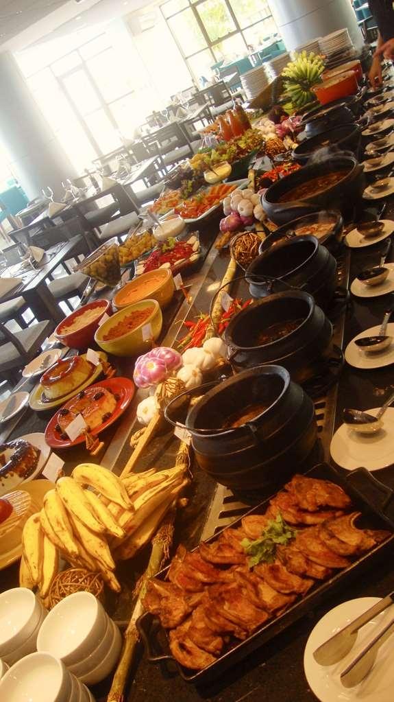 Best Western Premier Maceio - Feijoada Cuisine is served on Saturdays.