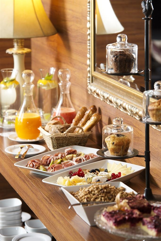 Best Western Plus Expo Hotel - Le petit déjeuner buffet