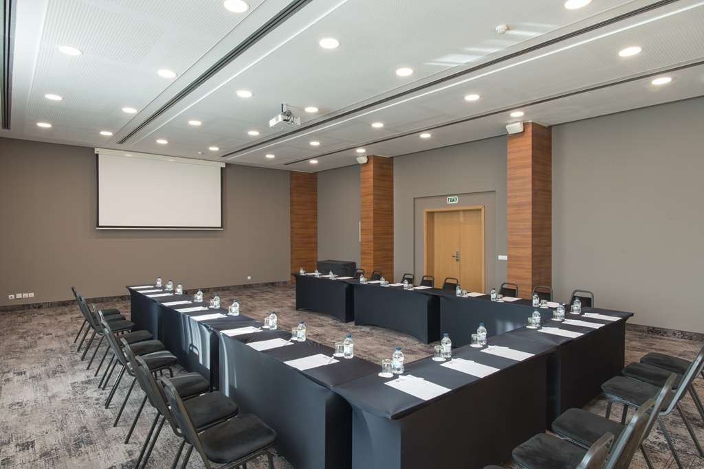 Best Western Plus Expo Hotel - Esplanade Meeting Room