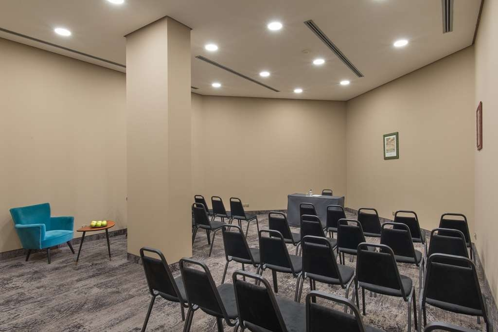Best Western Plus Expo Hotel - Meeting Room