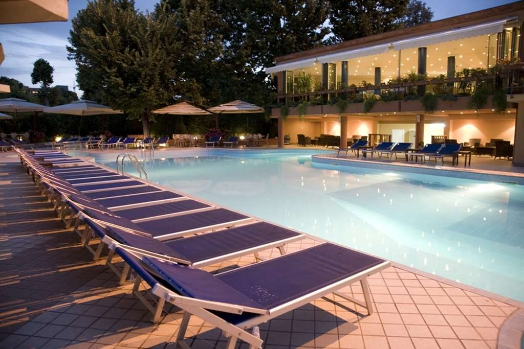 Best Western Congress Hotel - Poolansicht