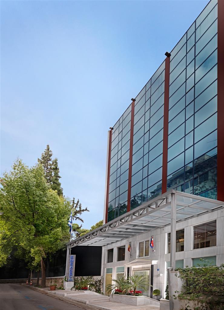 Best Western Plus Embassy Hotel - Außenansicht