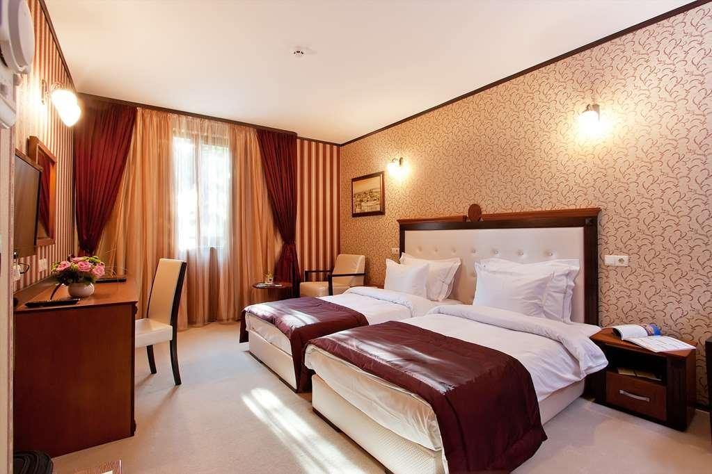 Best Western Plus Bristol Hotel - Comfort Twin Room