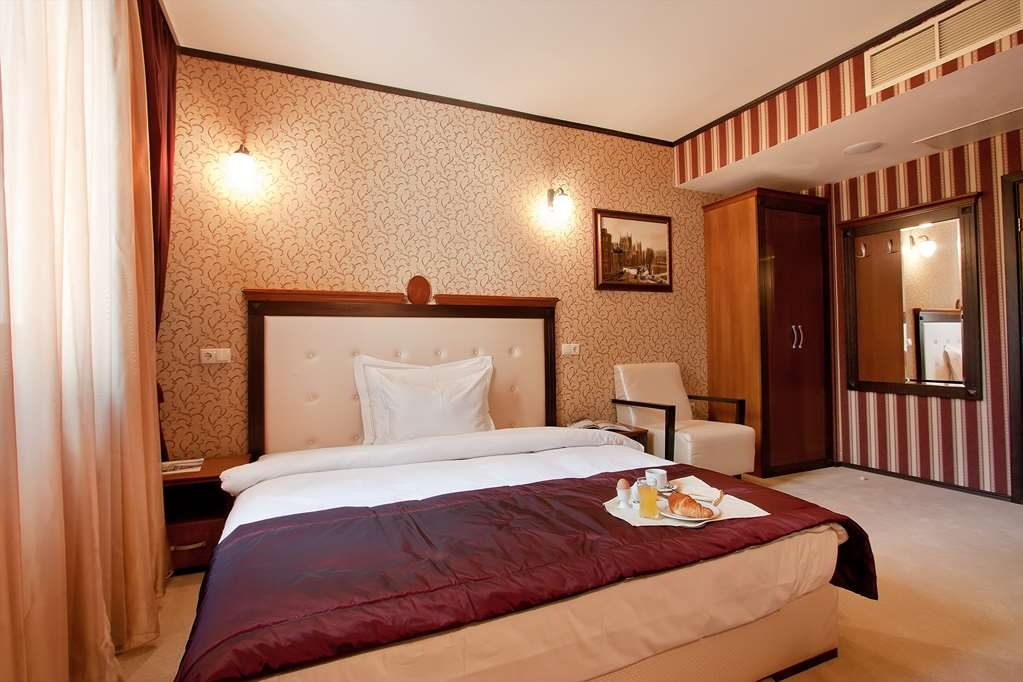 Best Western Plus Bristol Hotel - Comfort Double Room
