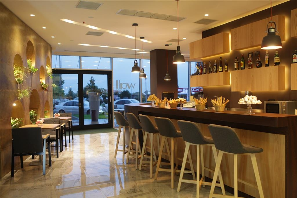 Best Western Premier Ark Hotel - Bar / Lounge
