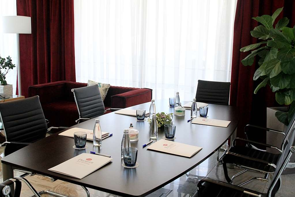 Best Western Premier Ark Hotel - Meeting Room