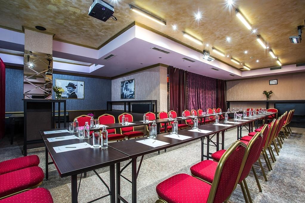 Best Western Art Plaza Hotel - café