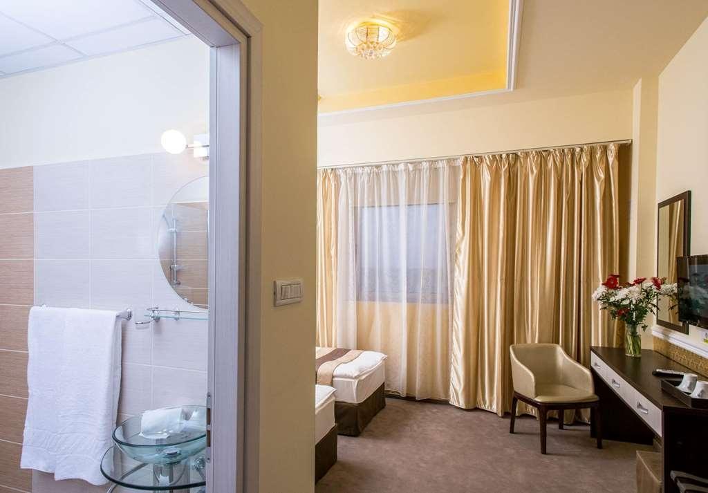 Best Western Plus Briston - Gästezimmer/ Unterkünfte