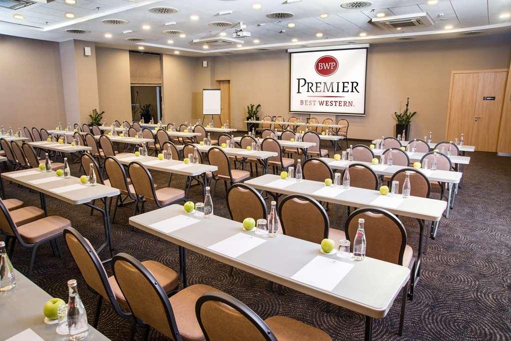 Best Western Premier Sofia Airport Hotel - sala de conferencias
