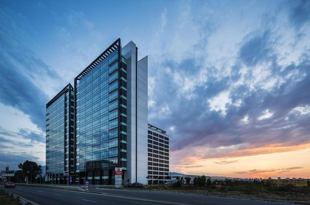 Best Western Premier Sofia Airport Hotel - Façade