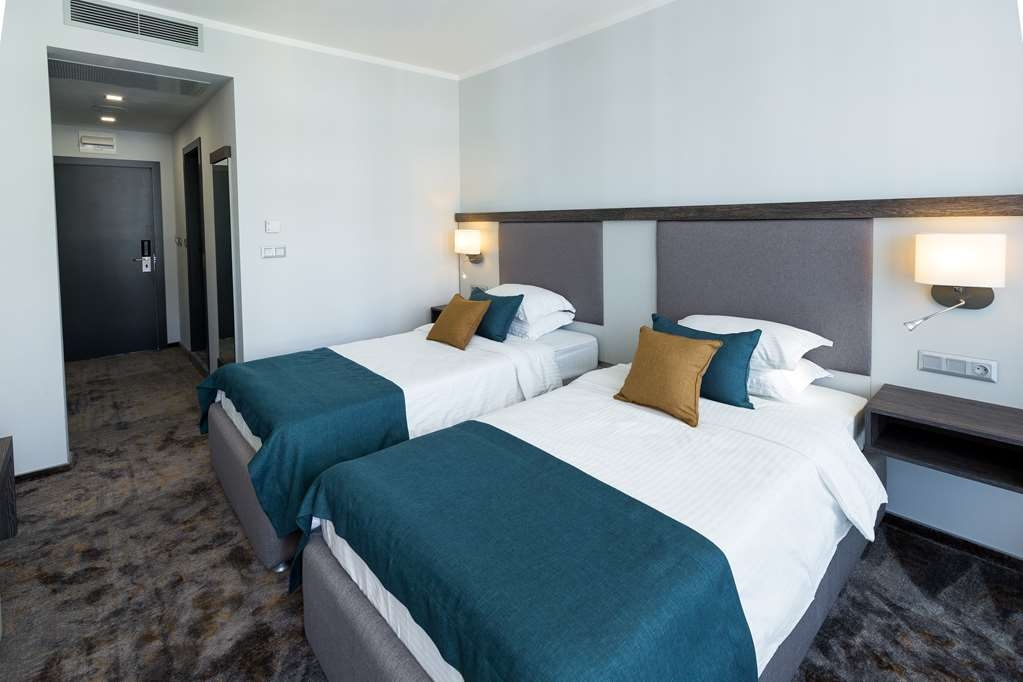 Best Western Plus Premium Inn - Standard Twin Room