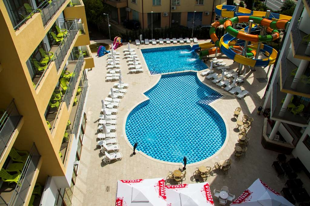 Best Western Plus Premium Inn - Piscina