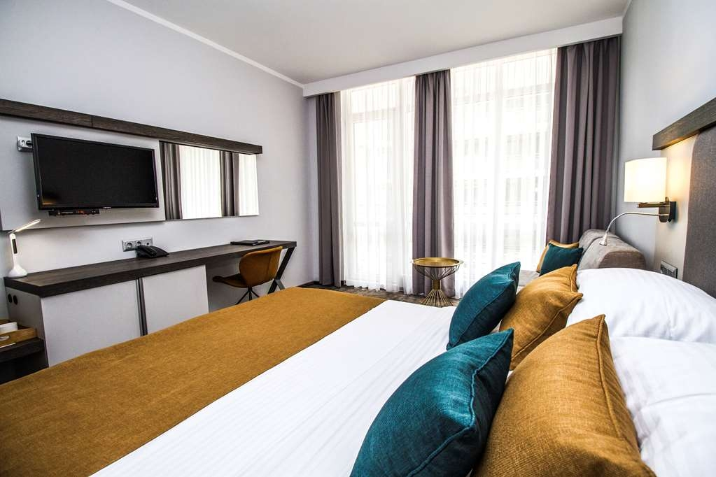 Best Western Plus Premium Inn - Standard King Room