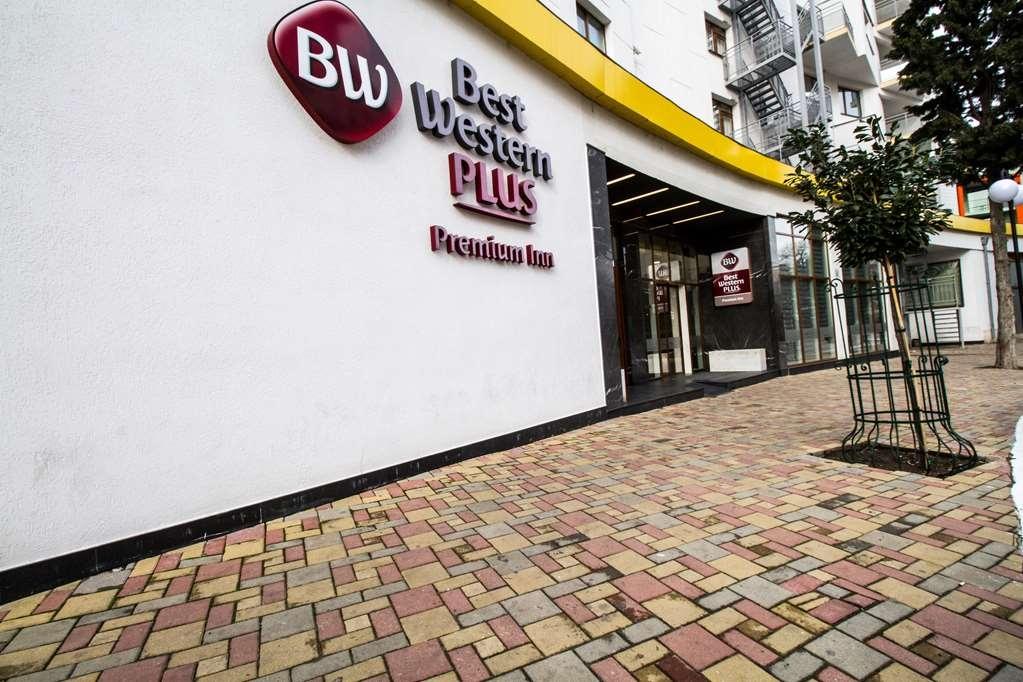 Best Western Plus Premium Inn - Façade