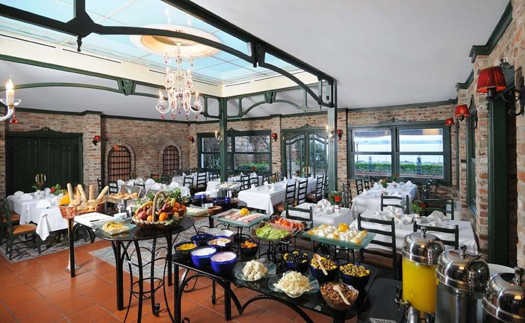 Best Western Citadel Hotel - Breakfast Area