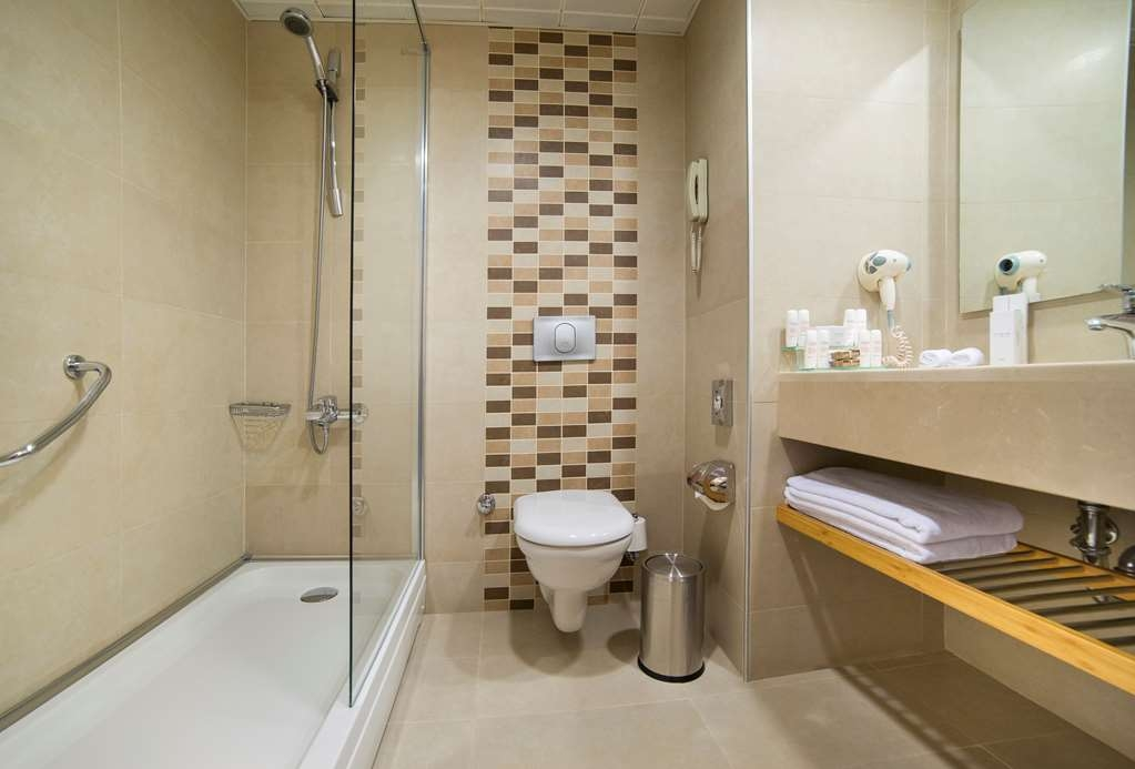 Best Western Citadel Hotel - Bathroom
