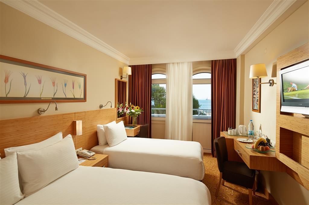 Best Western Citadel Hotel - Triple Room